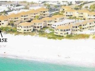 Direct Beach Front Condo with Panoramic View, Englewood