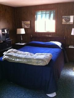 Queen Size Bed 2
