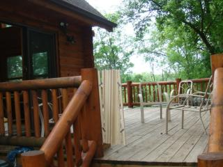 vacation getaway in the woods with lakeviews, Apple River