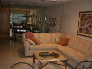 2BR Spacious Delray Beach Condo in Delray Beach
