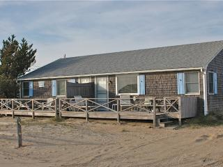 Beachside House -Private Beach-Ocean View, West Dennis