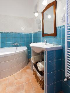 Bathroom nr.1.