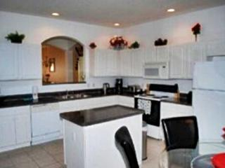 Carla's Luxury Villa- Fantastic Home with a Pool, Ideal Location, Kissimmee