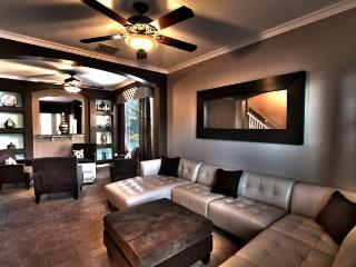5 Star Modern 6 BR / 5.5 BA with Private Pool & Theater Room