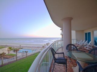 Awesome Views, 3500 Sf Beachfront Condo