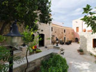 Family House for 6 pax near Rethymnon Crete Greece, Skouloufia