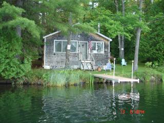 Private cabin  Dexter Maine