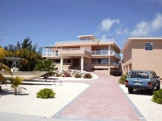 10,000 SF Luxury Sombrero Beach  5 BR and 5 BATH., Marathon