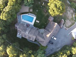 In-Ground Pool, Large home, Perfect for Multi Family Vacations & Family Reunions