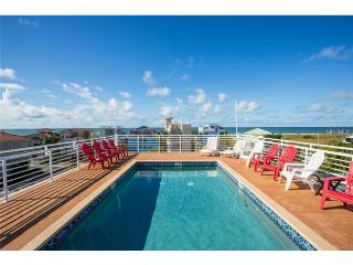 3 Bd's-Roof top Pool and Steps to Siesta Key Beach