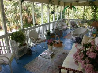 Wonderful Vintage Tybee Island Vacation  Cottage