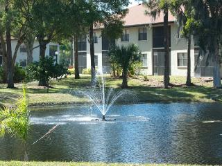 2BD/2B Resort Condo - 8 Minutes Drive to the Beach, Bradenton