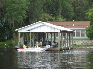 COZY RIVERVIEW COTTAGE On the ST JOHNS RIVER, Welaka