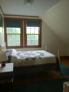 Mountain View Bedroom (Full)