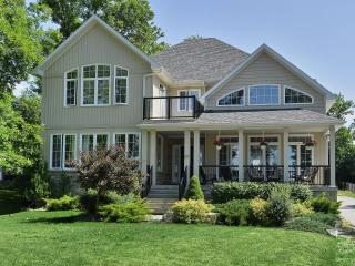 Exquisite Executive Cottage on Lake Simcoe