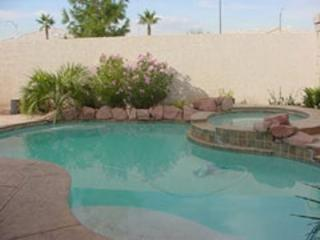 Cozy Las Vegas Retreat