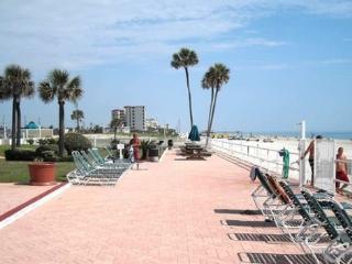 """Life's A Beach"" Ocean Jewels Resort (Non Smoking), Daytona Beach"