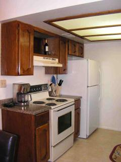 Fully equipped kitchen for snacks or banquet.