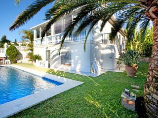 Beach villa in Costabella, Marbella