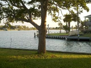WATER FRONT PROPERTY !! COME RELAX !!!, Rockport