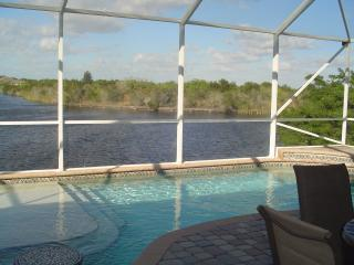 Direct Access-Sailboat Pool Home, Port Charlotte