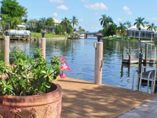 Villa Rose Garden - modern & just fabulous, Cape Coral
