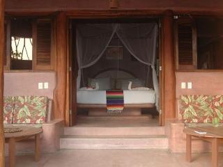 Secluded Oceanfront Tropical Inn, Ixtapa/Zihuatanejo