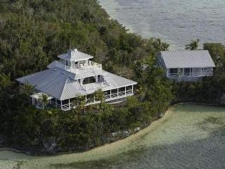 Waterfront Cottage   1500 per week   1000 add'l we