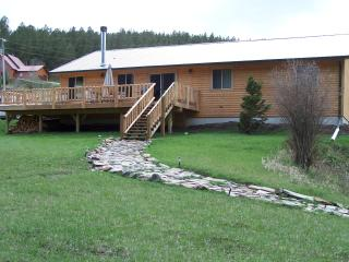 Creekside Cabin with Mountain Views, Rochford
