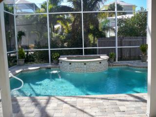 Beach House w/Heated Pool and Spa  (No Pets), Fort Myers Beach