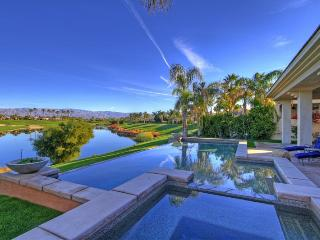 Incredible Lake, Golf, and Mountain View Home., La Quinta
