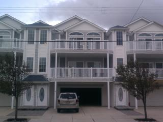 Beach Condo- Book now for summer of 2016, North Wildwood
