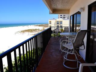 Rare 3 bedroom beachfront weekly rental, Clearwater