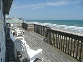 Direct Oceanfront Pet Friendly Home, North Topsail Beach