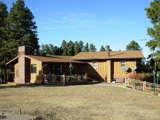 Woodland Private Vacation Home, Sturgis