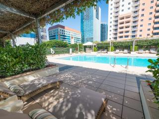 FIVE STAR LUXURY 2BR/2BA CONDO AT THE FOUR SEASONS, Miami