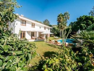 Prachtige villa, grote privacy tuin en zwembad!