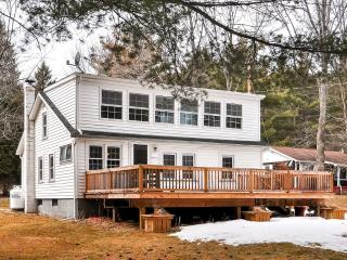 Charming 3BR Rushford Lake House w/Shared Dock, Game Room & Expansive Deck - Just Across the Street From the Lake & Semi-Private Beach!, Caneadea