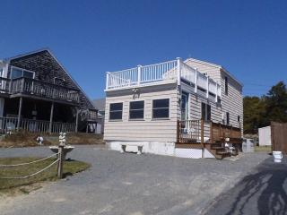 Cape Cod Cottage Across From The Beach.., Dennis Port