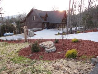 Spacious Family Cabin near Chattanooga attractions, Trenton