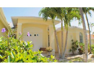 Villa LakeView - Eight Lakes Villa, Boat optional, Cape Coral