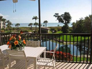 Quiet Sand Pointe Sanibel Island Beach Front 2BR Condo - Breathtaking View