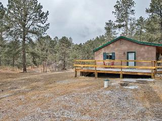 Private & Cozy 3BR Black Hills House w/Multiple Decks & Horse Corral - Minutes from Downtown Attractions & Outdoor Activities!