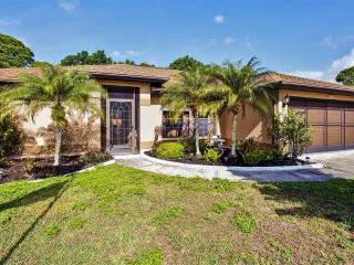 Lovely 3BR North Port House w/Screened Lanai, Private Pool & Wifi - Close