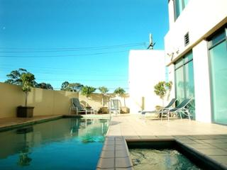 Parramatta Waldorf Apartments hotel, Rosehill