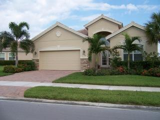 Stunning Bonita Springs Home for Rent! Beautiful View! Pool/Spa! Great Community