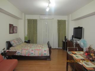 Cozy Condo for short-term rent in classy Alabang, Muntinlupa