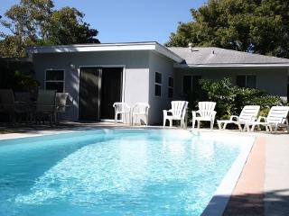 TROPICAL HAVEN w/POOL - LARGE PRIVATE POOL!!!, Clearwater