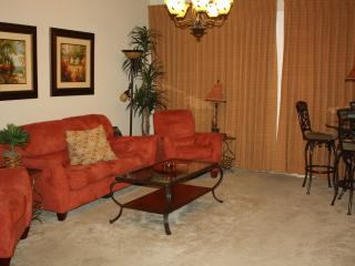 Centrally Located Condo Comfortably Sleeps 8-10, Panama City Beach