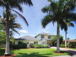 Villa River Dream with Pool, Boat Dock, Cape Coral
